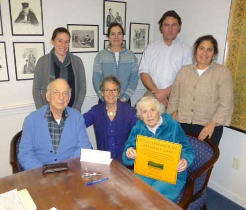 From left: front row, Lysle Chase, Jeanna Hamblet, Elaine Chase. Back row, Sara Cavin, Peg Merrens, John Putnam, Janine Putnam